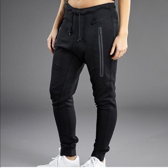 439cf7c75dc5 Nike tech knit joggers. M 5ad80aee6bf5a6c0a586aba2